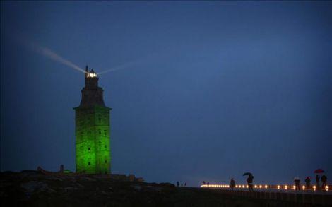 Torre de Hércules verde día san patricio