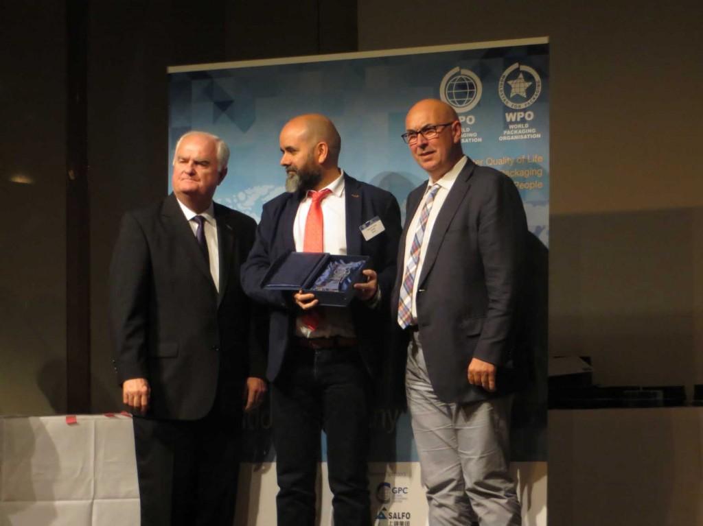 Coreti recoge el Premio WorldStar