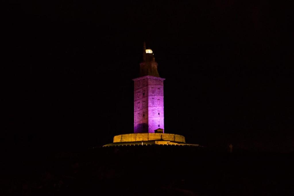 torre de hércules morado